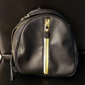 Steve Madden back pack purse